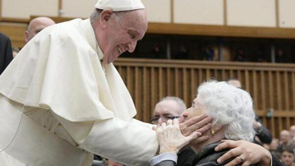 Papa Francesco istituisce la Festa dei Nonni e degli Anziani