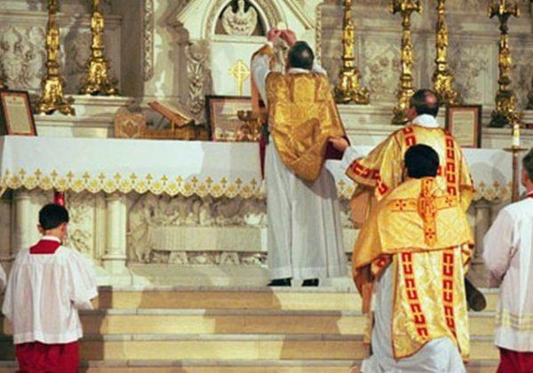 Via gli spiriti di divisione. Alt all'uso scismatico del rito latino