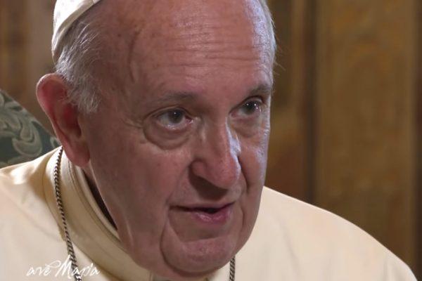 """Il Papa sui cristiani """"malati"""" di protagonismo: non diventerete mai santi"""