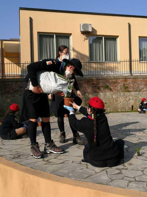 Scout BP Day 2020 Clarissa Letizia fa la sua promessa da coccinella IMG-20210228-WA0033