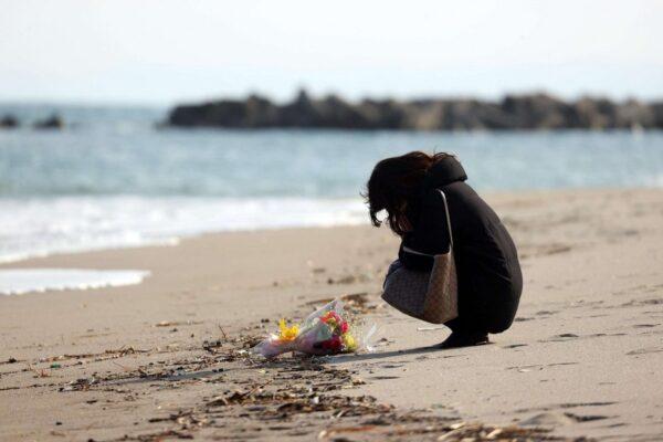 La misura infinita dell'amore. Giappone. Da 7 anni s'immerge cercando la moglie scomparsa nello tsunami