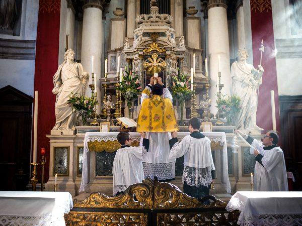 Savagnone. La messa in latino, l'unità della Chiesa, la tradizione